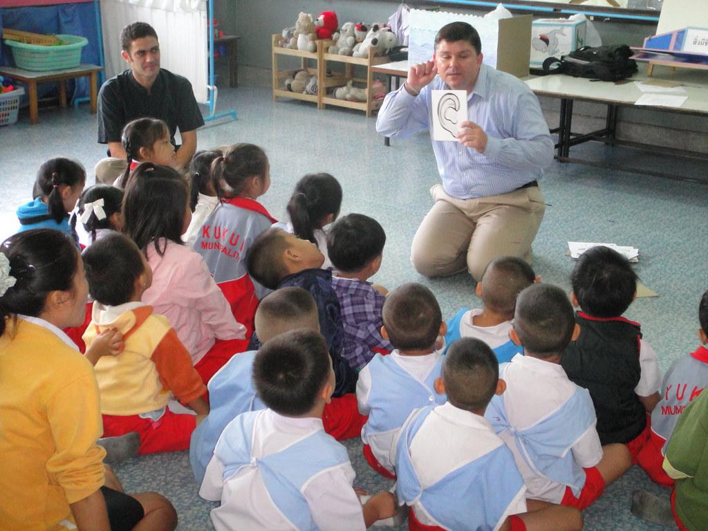 Sammy teaching kindergarten