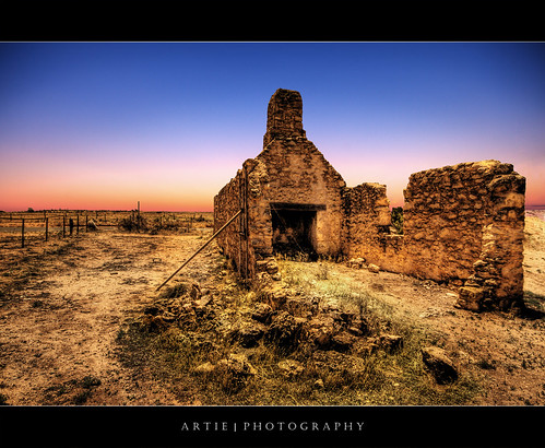 Lake Bonney Hotel Ruins, South Australia :: HDR