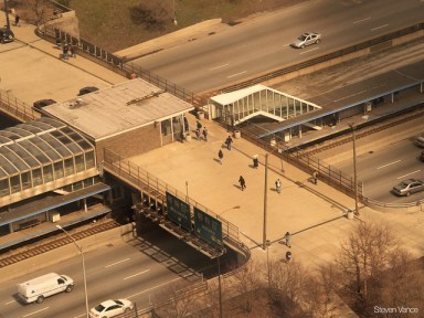 Peoria entrance at UIC-Halsted station