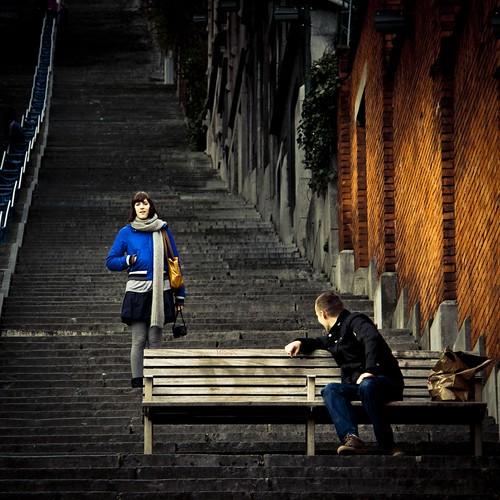 Romance in the Stairs : Between a Boy & a Girl (Escaliers de Bueren, Liège) - Photo : Gilderic
