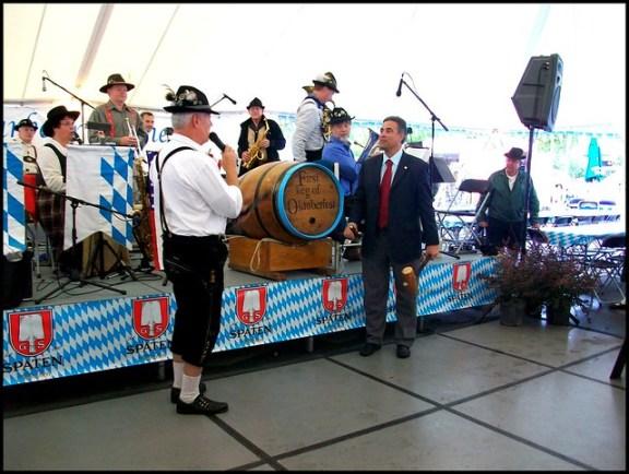 Oktoberfest history beer, keg tapping