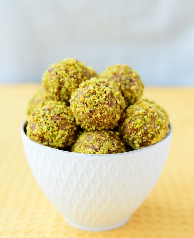 Peanut Butter and Pistachios Energy Balls