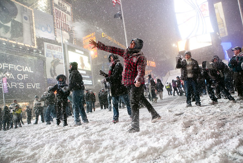 Snowball fight in Times Square by Dan Nguyen