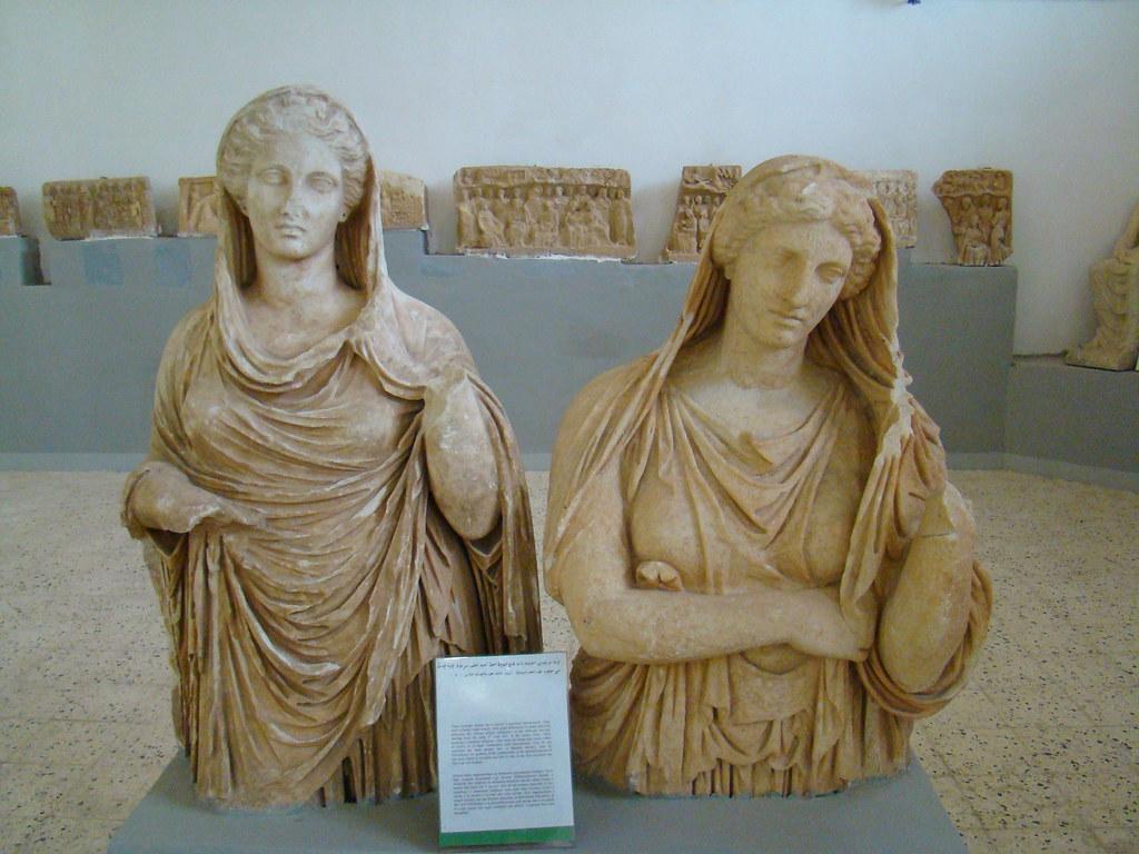 Cirene Museo Esculturas Cabezas humanas Libia 06