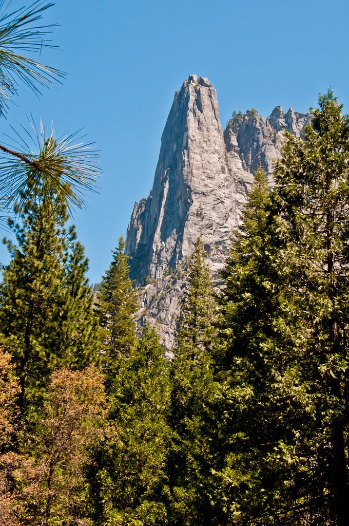 A peak overlooking the Yosemite Valley
