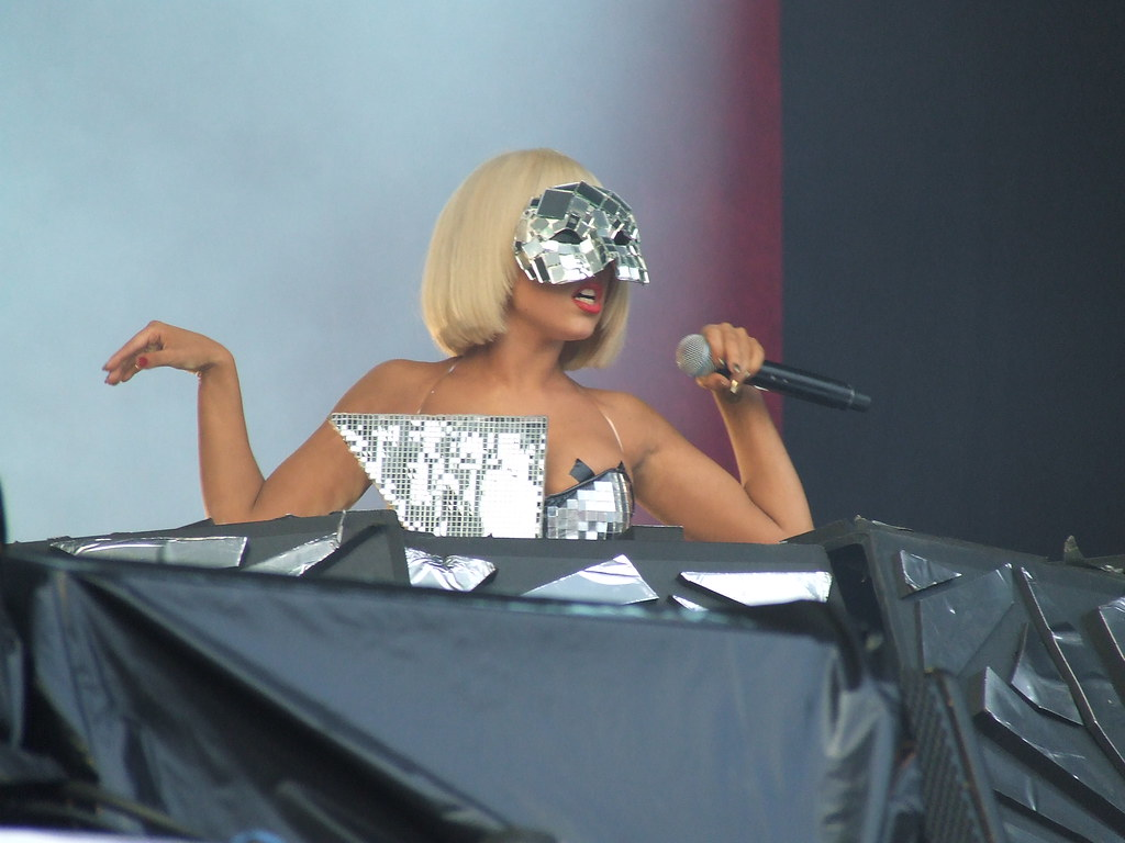 Lady Gaga Glastonbury  By Pilulapop