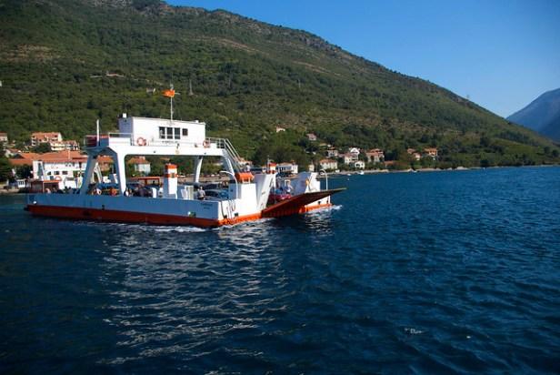 Боко-Которская бухта, Черногория, паром