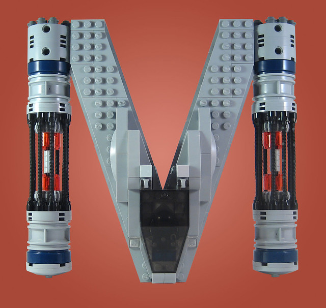 MOC-018 LEGO M Spaceship