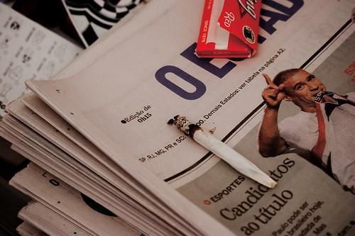 no jornal / on the news