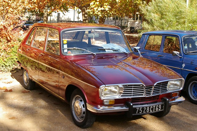 r16 RENAULT 16 bordaux retro car meeting novembre 2009