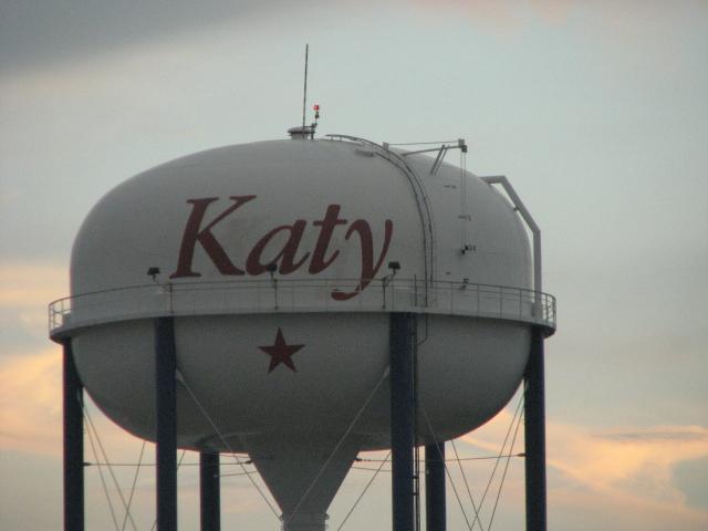 como é a vida em Katy, subúrbio de Houston, Texas