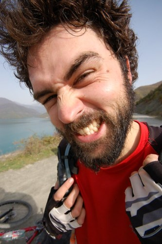 Gurning monster mountain-biker