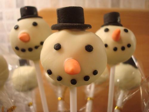 Snowman cupcakes pops