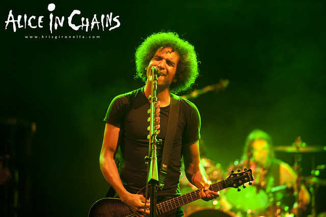 William DuVall hitting the high notes - Singapore Rock Fest 2014