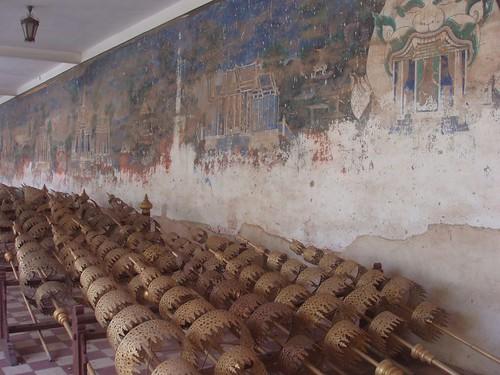 201002080352_processional-parasols