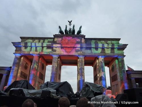 U2 Berlin 2009-11-05 Puerta de Brandemburgo