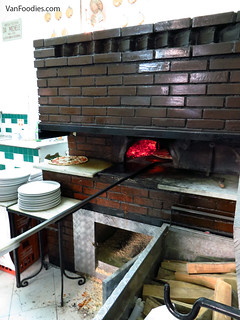 Pizza oven at L'Antica Pizzeria da Michele