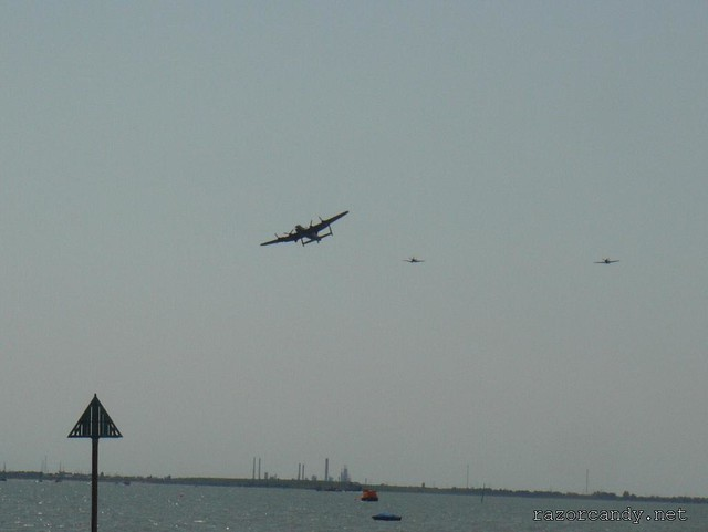 3 P1080859 the Battle of Britain Memorial Flight (spitfire + hurricane + lancaster) _ Southend - 2009 (24th May)