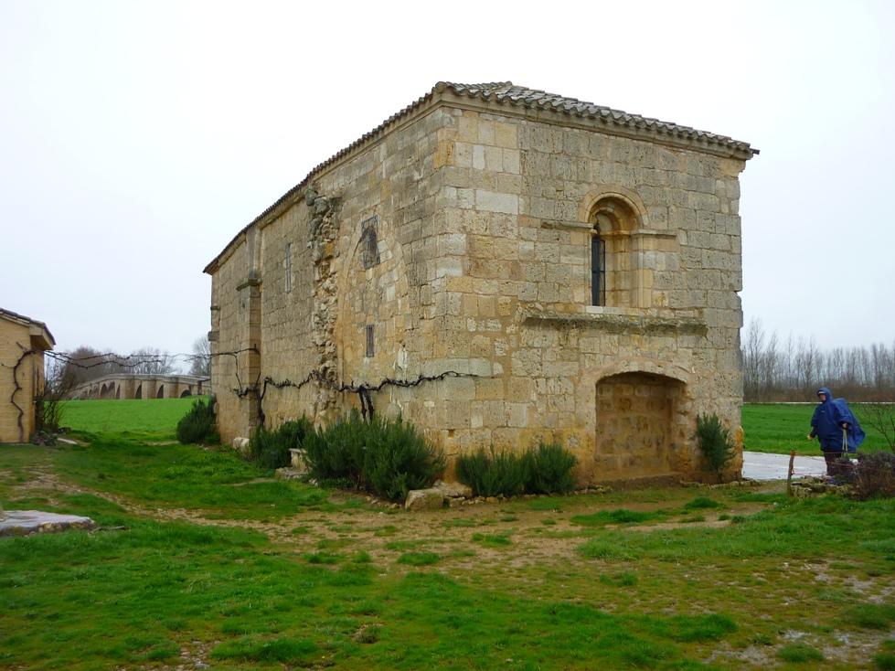 11. Camino de Santiago e iglesia románica, en Castrojeriz. Autor, Calafellvalo