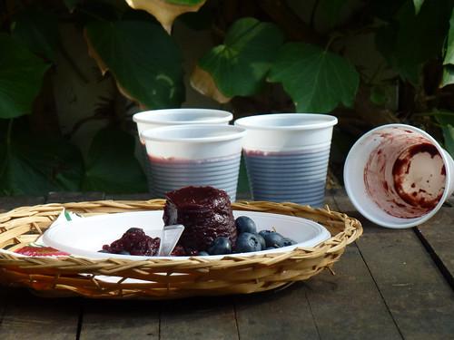 Mustikka ja Mustaherukkavanukas - Black Currant & Blueberry pudding