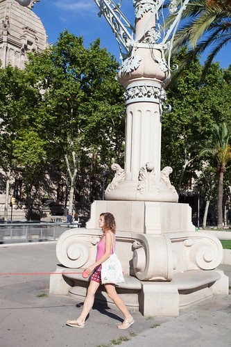 Barcelona Invisible dog by esquimo_2ooo