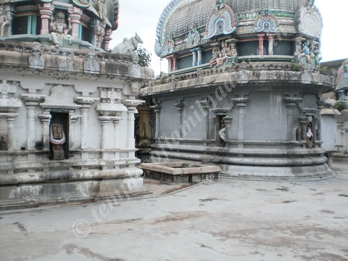 A view of Brahma, Vishnu and Shiva, Thirumeyachur
