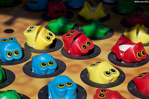 Coney Island Frogs by LilFr38