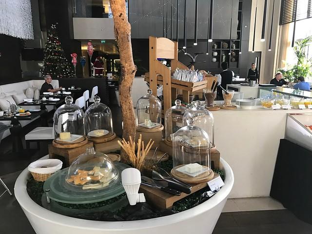 Restaurant- Le Meridien Dubai