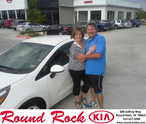 Round Rock KIA Customer Reviews and Testimonials-Julie & Scott Bell by RoundRockKia