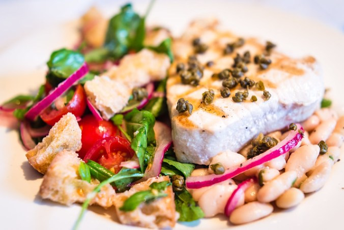 Grilled tuna, panzanella and canellini beans