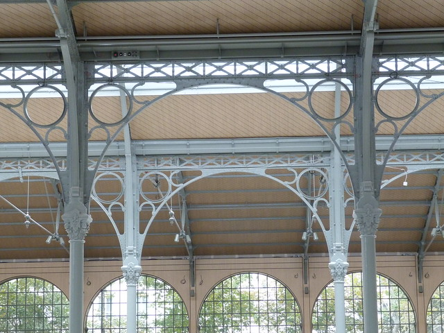 Carreau du Temple - Iron Lace