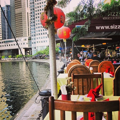 Boat Quay #singapore by @MySoDotCom