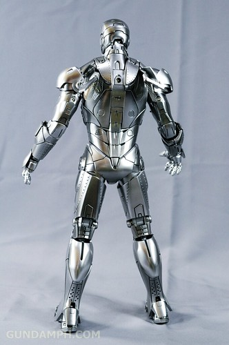 Hot Toys Iron Man 2 - Mk II Armor Unleashed Ver. Review MMS150 Unboxing (69)
