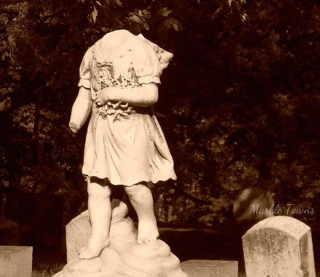 Headless child -Frank Debow 2.jpg