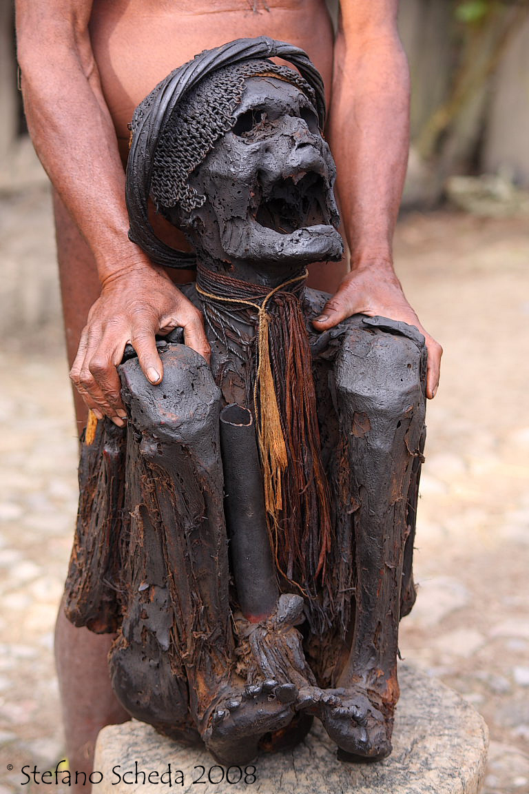 Dani mummy - Jiwika, West Papua, Indonesia