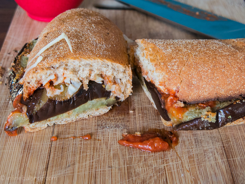Eggplant Parm Pizzaburger | #meatlessmonday #recipe
