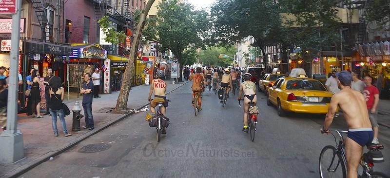 naturist 0016 World Naked Bike Ride 2013, New York, USA