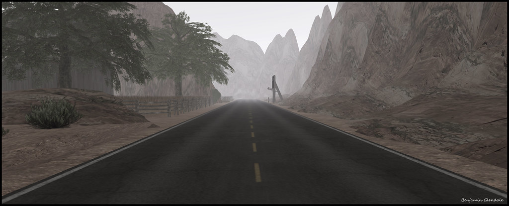 Desert road (by Benjamin Glendale)