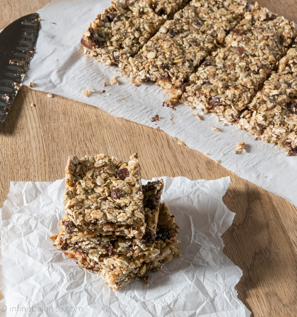 Nut-Free Granola Bars for the Lunch Box #vegan sunflower orange lunchbox hemp granola dates chocolate
