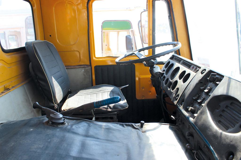 В кабине КАЗ-4540
