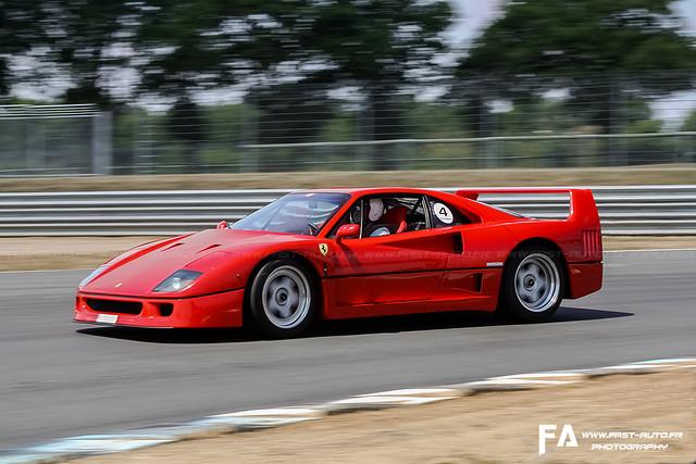 Ferrari F40 - Sport et Collection