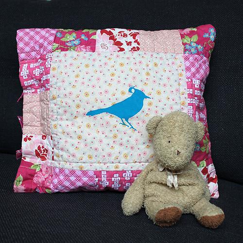 Birdie Cushion