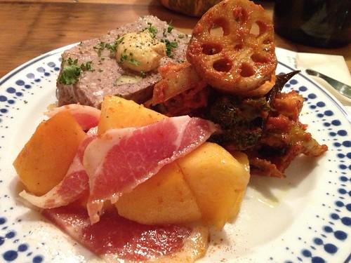干し野菜のラタトゥイユ、 豚と焼きなすのパテ、 柿と生ハムのマリネ@jicca