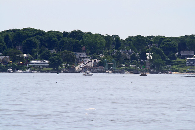Approach to Peak's Island