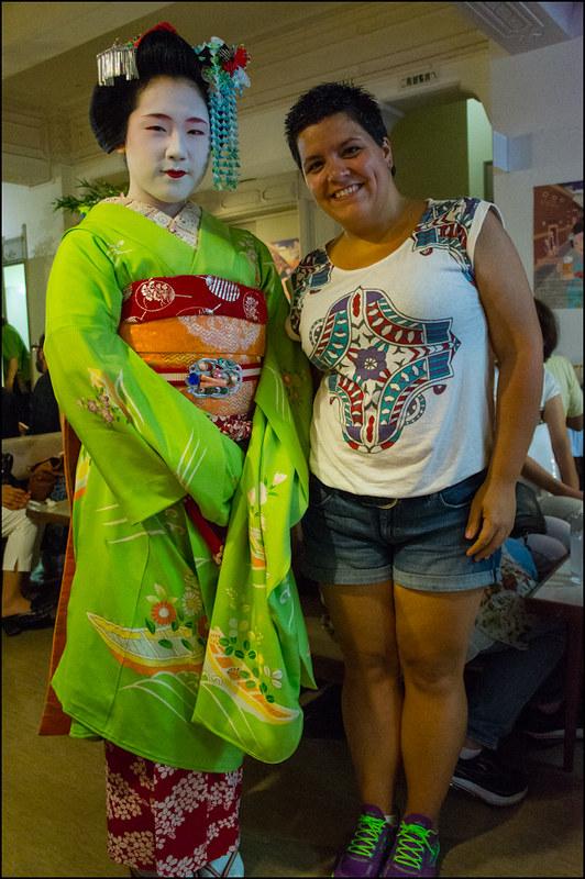 Laura y maiko Hisamomo (久桃)