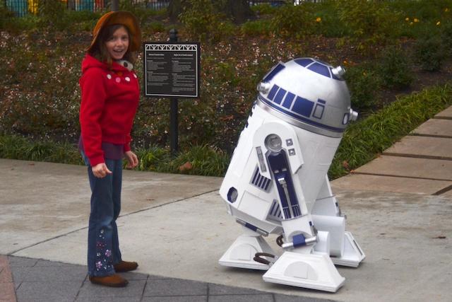 Caitlin and R2