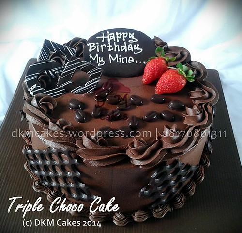 Triple choco cake, tccc dkm cakes, cake hantaran lamaran jember, cheesecake jember, cupcake hantaran, cupcake tunangan, DKM Cakes telp 08170801311, DKMCakes,   engagement cake, engagement cupcake, hantaran natal jember kue kering lebaran 2014,Oreo Choco Cake, pesan blackforest jember,   pesan cake jember, pesan cupcake jember, pesan kue jember, pesan kue kering jember, Pesan kue kering lebaran jember, pesan   kue ulang tahun anak jember, pesan kue ulang tahun jember, pesan parcel kue kering jember, pesan snack box jember, rainbow   cake jember, roti jember, tart jember, toko kue online jember, wedding cake jember, kue nampan Jember, kue hantaran nikah   jember   DKM Cakes telp 08170801311, DKMCakes, untuk info dan order silakan kontak kami di 08170801311 / 27ECA716  http://dkmcakes.com