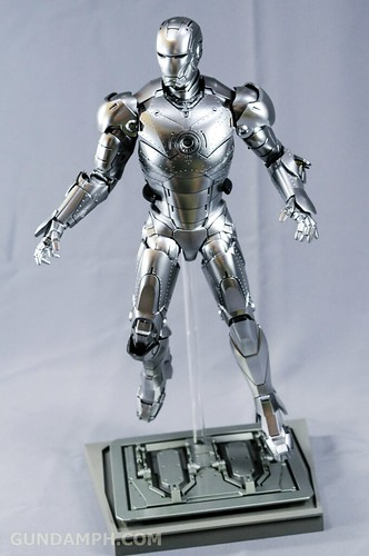 Hot Toys Iron Man 2 - Mk II Armor Unleashed Ver. Review MMS150 Unboxing (71)