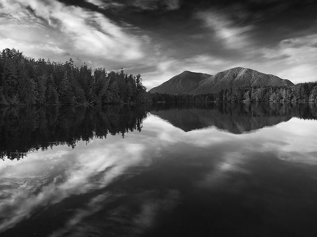 Muy buenas fotos se crean con cámaras sencillas. The Inlet - Tofino, por Alan McCord