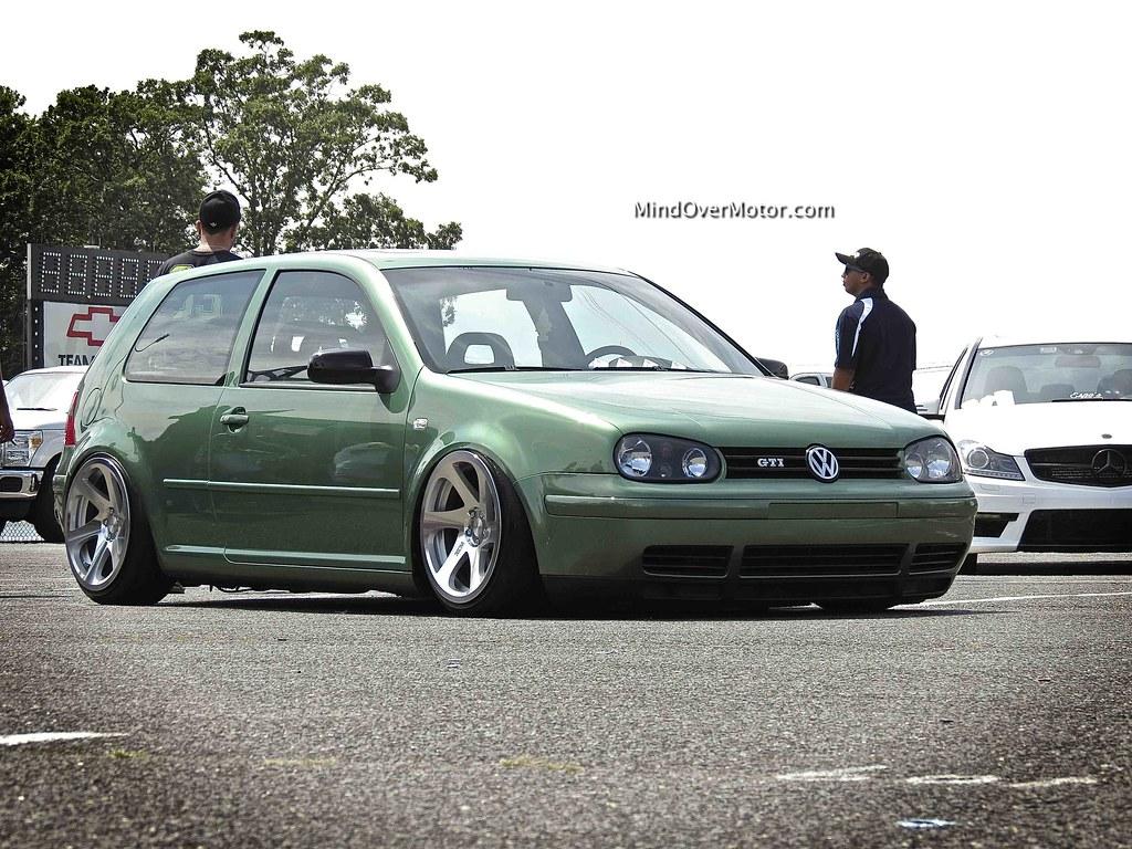 Slammed Mk4 VW GTI